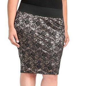 **NWT** Torrid Sz 2 Lace Pencil Skirt!!